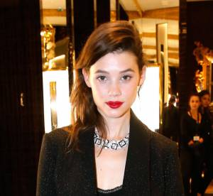 Astrid Bergès-Frisbey, garçonne ultra-sexy... On copie le look !