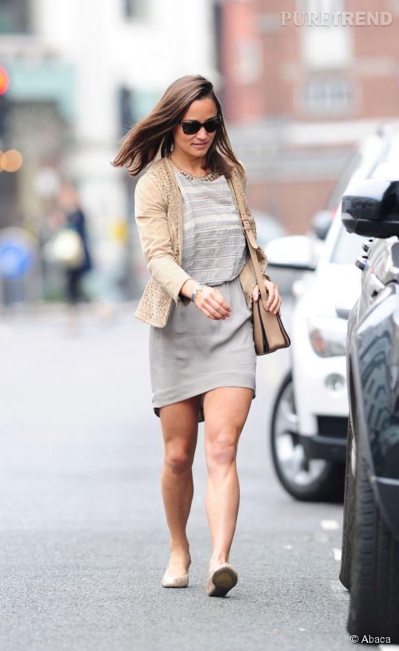 Pippa Middleton, leçon de style pour mettre ses jambes bronzées en valeur dans les rues de Londres, le 11 septembre 2014.