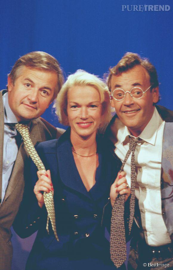 """Brigitte Lahaie s'est essayée au théâtre, comme dans """"Petit Papa Lionel"""" avec Jacques Mailhot et Jean Roucas, en 1997."""