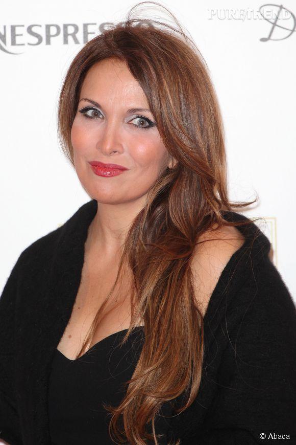 """Hélène Ségara s'est confiée sur sa maladie et les critiques qu'elle a subi à propos de son physique dans l'émission """"Pitch Elevator""""."""