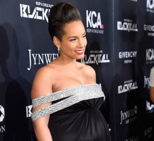 Alicia Keys enceinte et très en beauté à New York