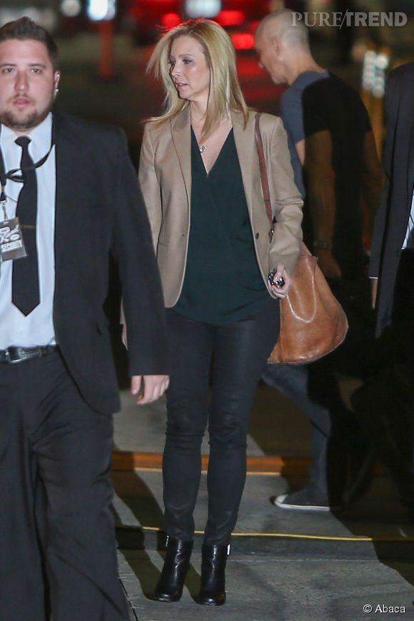 Lisa Kudrow rejoint Jennifer Aniston sur le plateau de Jimmy Kimmel.