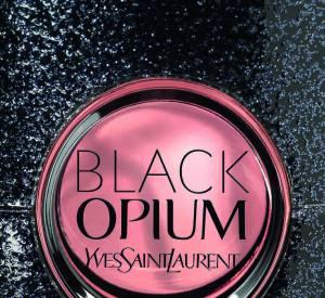BLACK OPIUM d'Yves Saint Laurent : cadeau addictif pour Noël.