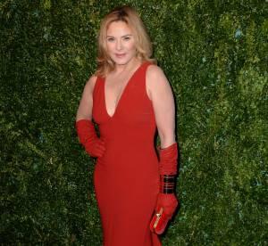 Kim Cattrall : vamp ultra sexy aux Evening Standard Theatre Awards