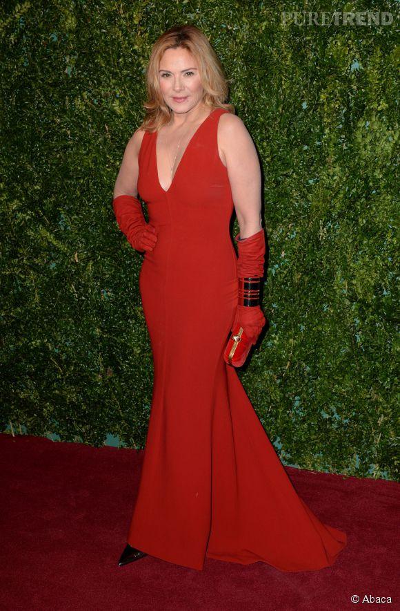 Kim Cattrall, l'atout glamour de la 60ème cérémonie des Evening Standard Theatre Awards, ce dimanche 30 novembre 2014.