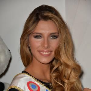 Camille Cerf, Miss France 2015 fait des confidences à Paris Match sur sa famille et sur ce qu'elle pense de la chirurgie esthétique.