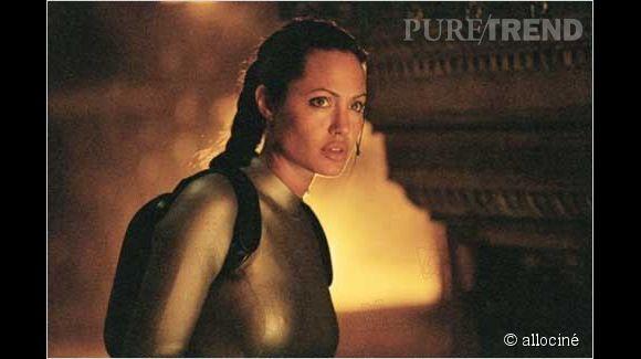 """Lara Croft de """"Tomb Raider"""" incarnée par Angelina Jolie à l'écran : la plus badass et sexy des héroïnes de jeux vidéo !"""