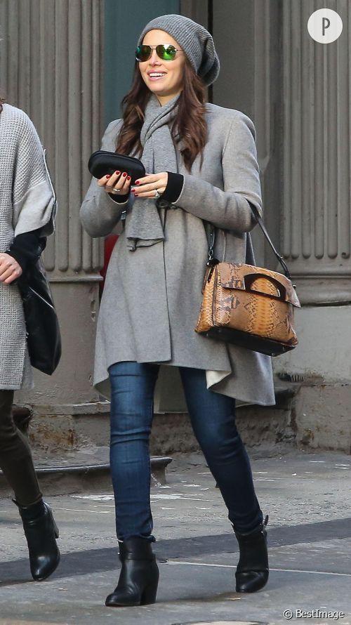 Jessica Biel, enceinte et stylée : look à shopper