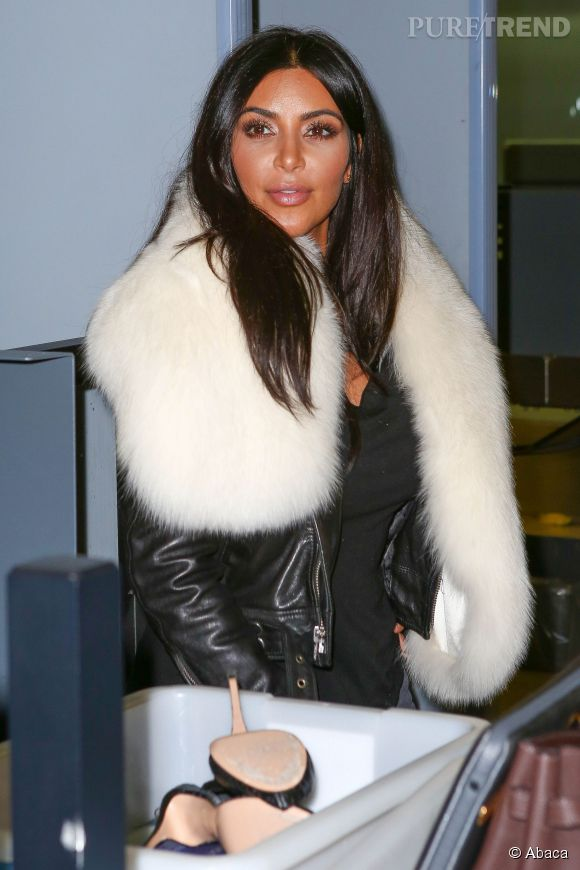 Top Kim Kardashian : overdose d'UV ? La bimbo est orange VG11