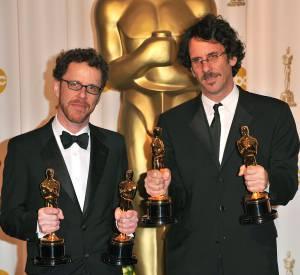 """En 2008, les frères Coen reçoivent l'Oscar du Meilleur réalisateur pour """"No Country for Old Men"""", l'Oscar du Meilleur film et celui du Meilleur scénario adapté. L'acteur Javier Bardem recevra également l'Oscar du Meilleur acteur dans un second rôle pour son interprétation d'Anton Chigurh."""