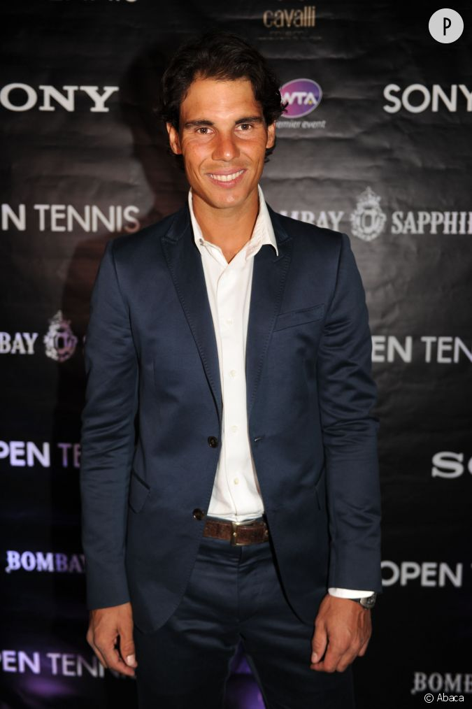 rafael nadal chic en costume bleu nuit lors d 39 une soir e miami en mars 2014. Black Bedroom Furniture Sets. Home Design Ideas