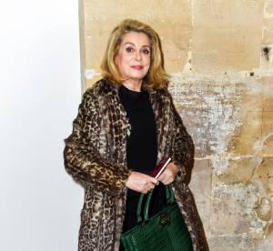 Catherine Deneuve : léopard et croco, un look chic et sauvage