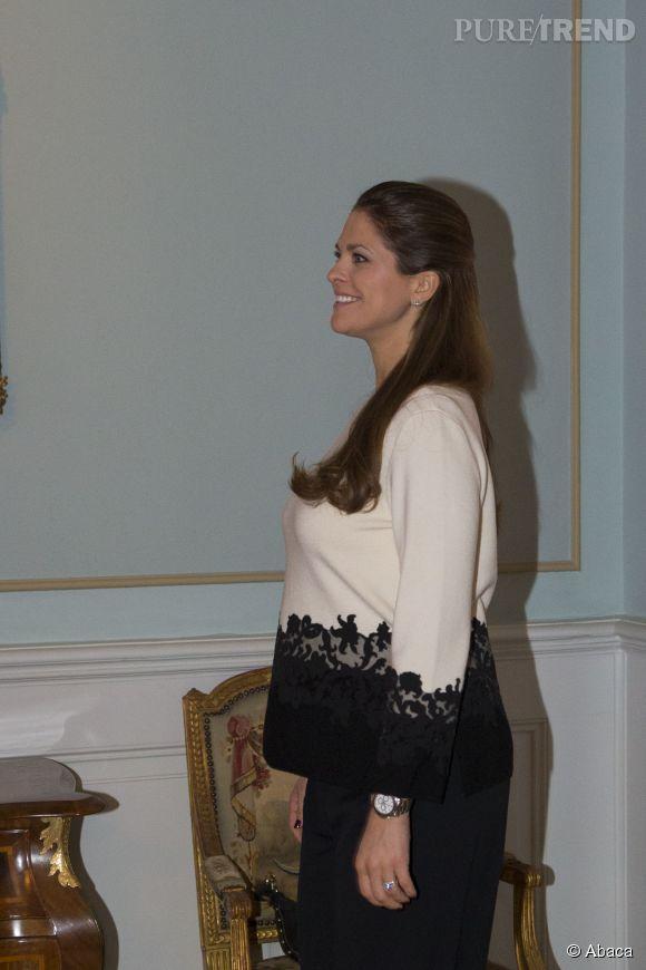 La princesse Madeleine ne peut plus cacher ses rondeurs de future maman !