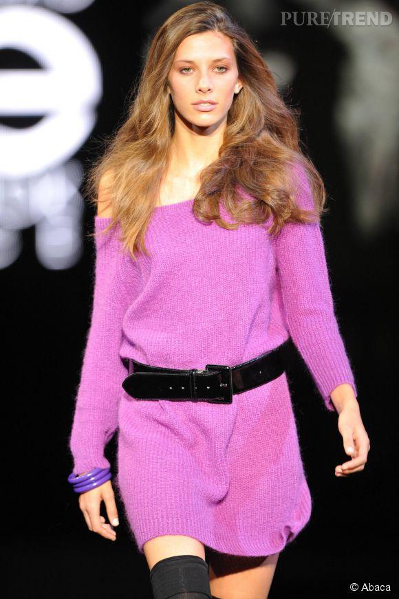 Camille Cerf défile pour la finale du concours Elite en 2010.