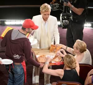 En pleine cérémonie, Ellen DeGeneres a fait livrer des pizzas aux invités.