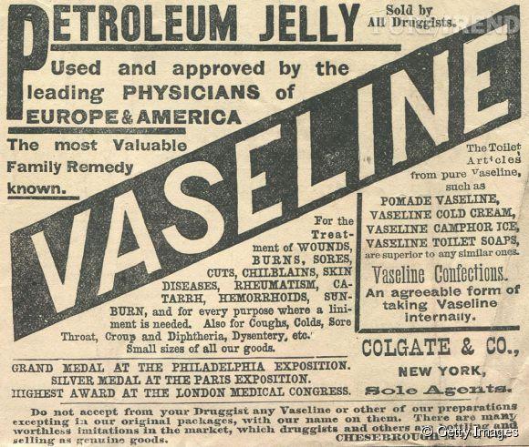 Oui, la vaseline est issue du pétrole. Mais on vous assure que c'est très bon pour la peau.