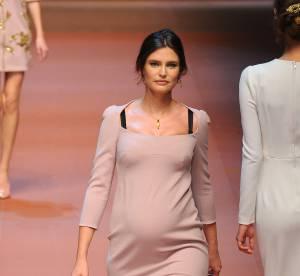 Bianca Balti, Miranda Kerr, Jourdan Dunn : enceintes sur le podium