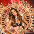 Alessandra Ambrosio enceinte de 2 mois lors du défilé Victoria's Secret en 2011.