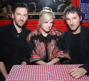Cécile Cassel entourée du groupe Aaron lors de la soirée Thierry Lasry x Fendi à Paris le 9 mars 2015.