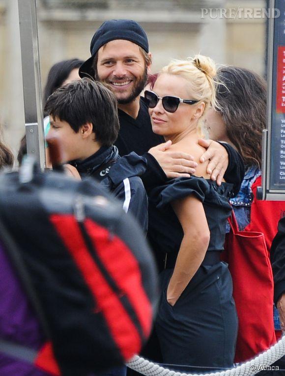 Difficile de croire à la présente situation lorsqu'on regarde le bonheur de Pamela Anderson et Rick Salomon venus visiter le musée du Louvre en 2013 à Paris.