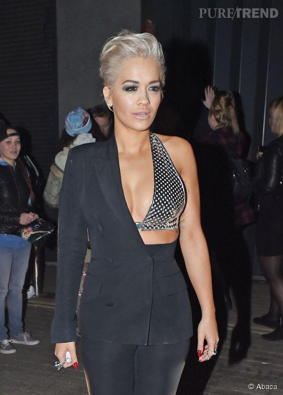 Rita Ora a fait sensation avec son costume Jean Paul Gaultier sur le plateau d'Alan Carr mais elle a aussi frolé la catastrophe.