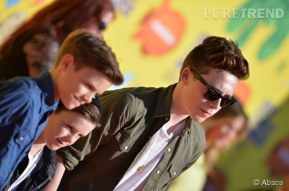 Romeo, Cruz et Brooklyn Beckham aux Kids' Choice Awards le 28 mars 2015 à Los Angeles.
