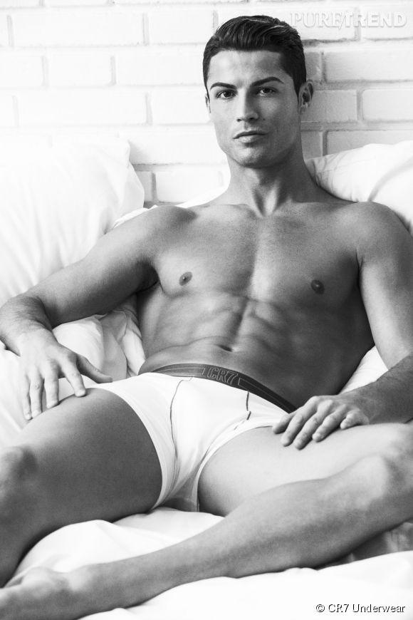 Cristiano Ronaldo, musclé et sexy pour les dessous CR7.