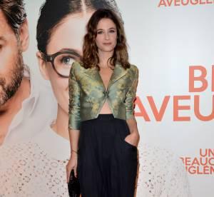 """Mélanie Bernier : chic et subtilement sexy pour """"Un peu, beaucoup, aveuglément"""""""