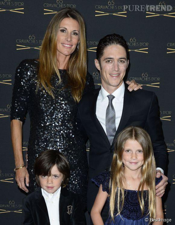 Sophie Thalmann avec son mari Christophe Soumillon et leurs deux enfants.