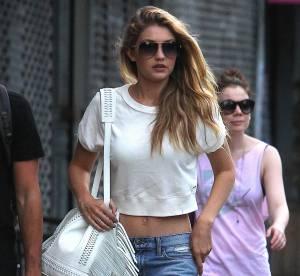 Gigi Hadid : le jean loose et le cropped top sexy à copier !