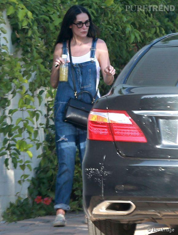 Demi Moore, à deux doigts d'être confondue avec sa fille Rumer dans un ensemble salopette et tennis.