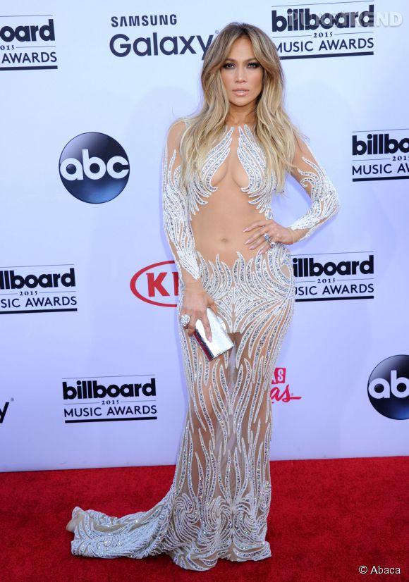 J-Lo et sa robe qui dévoile tout aux Billboard Awards 2015.