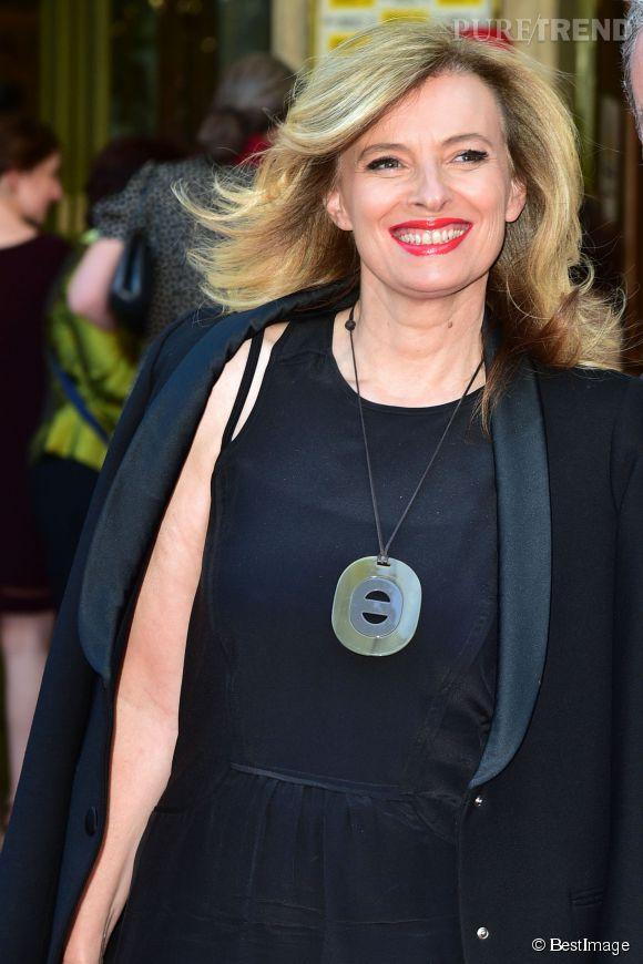 Valérie Trierweiler s'est offert un relooking en passant au blond.