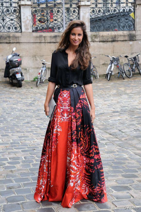 Malika Ménard, élégante en jupe longue