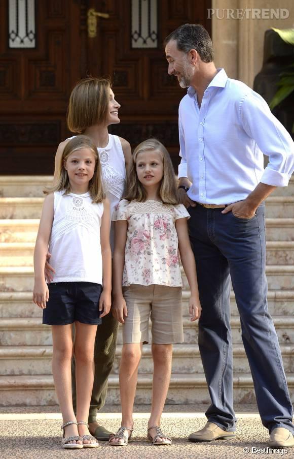 Letizia d'Espagne et le roi Felipe sont arrivés à Palma de Majorque pour leurs vacances d'été.