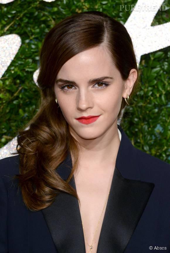 Emma Watson se révèle au naturel en couverture de  Vogue UK .