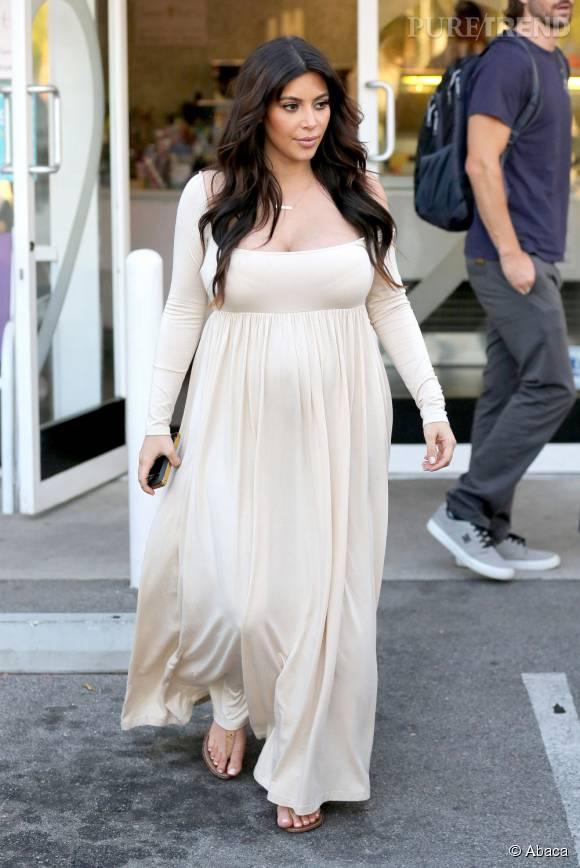 Häufig Kim Kardashian avait pris beaucoup de poids pendant sa première  JX88