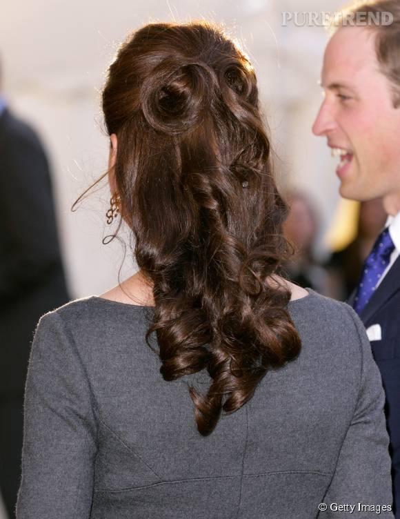 Le demi-chignon est une des coiffures favorites de Kate Middleton.