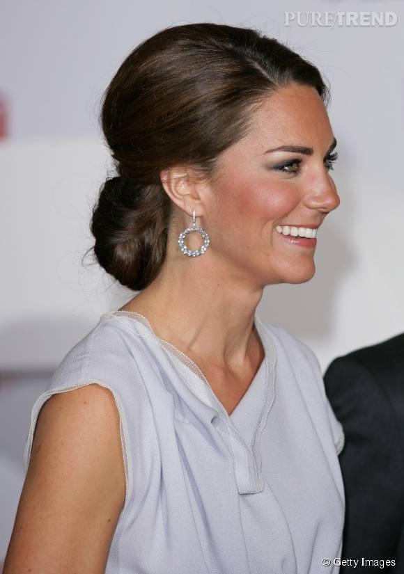 Kate Middleton mise sur un chignon bas pour les grandes occasions.
