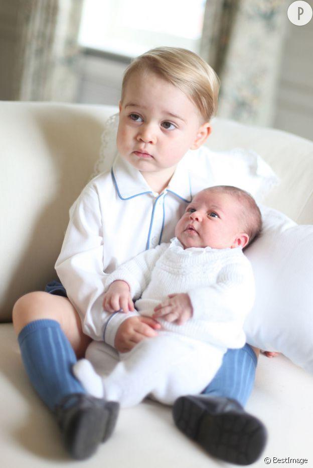 Prince George et sa soeur Charlotte : voyez toute la joie du garçonnet !