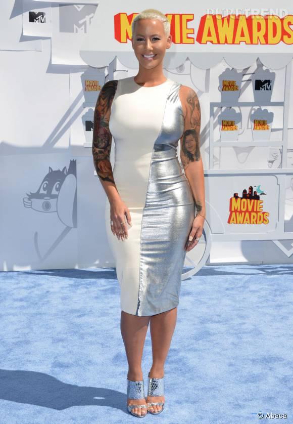 Amber Rose, maman sexy et comblée.
