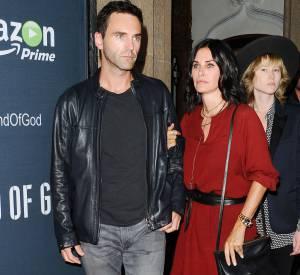 Johnny McDaid a demandé Courteney Cox en mariage lors d'une soirée chez Jennifer Aniston.
