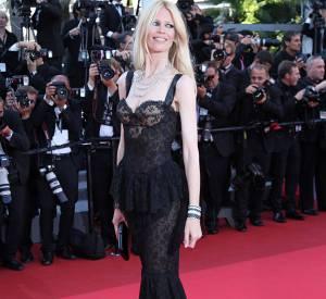 Claudia Schiffer ose la transparence au Festival de Cannes 2011.