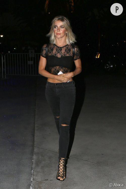 Julianne Hough, le total look noir version sexy.