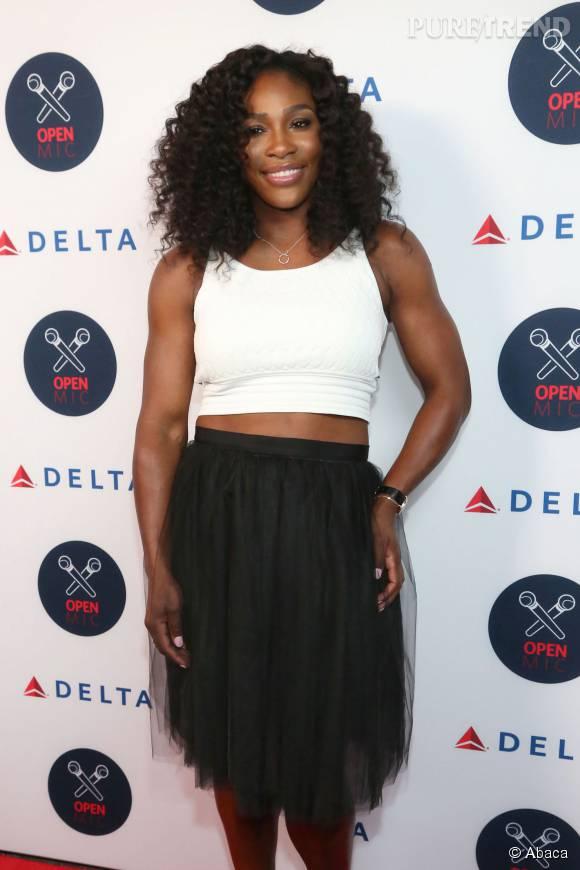 "Serena Williams, abdos au top lors de l'événement ""Delta OPEN Mic With Serena Williams"" à New York le 26 août 2015."