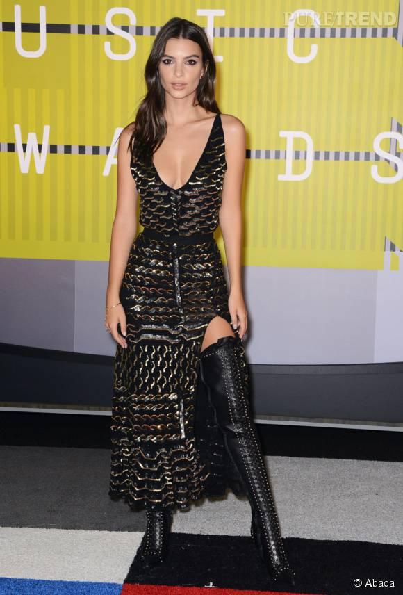 Emily Ratajkowski en Altuzarra aux MTV VMA le 30 août 2015 à Los Angeles.