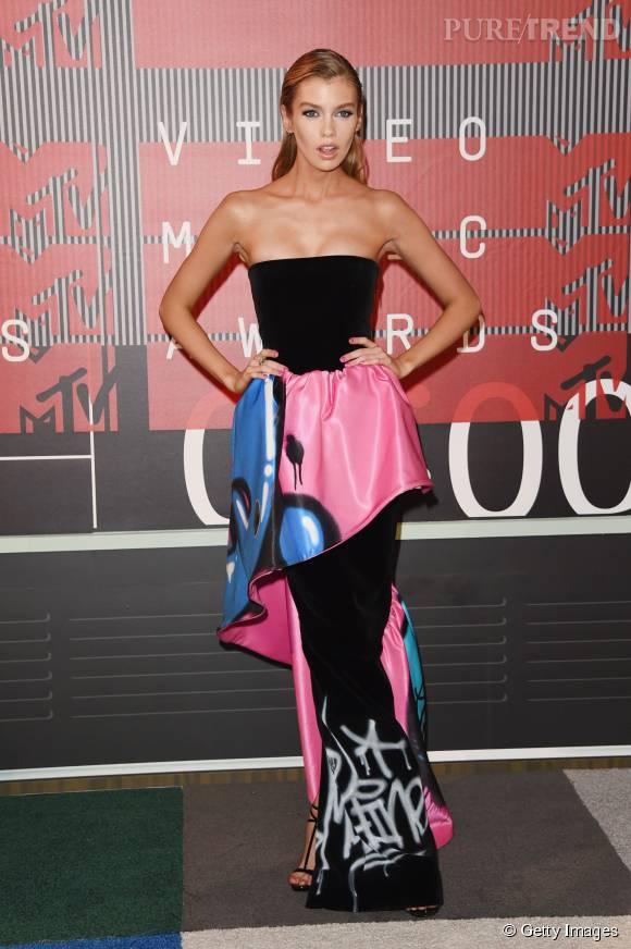 Stella Maxwell aux MTV VMA le 30 août 2015 à Los Angeles.