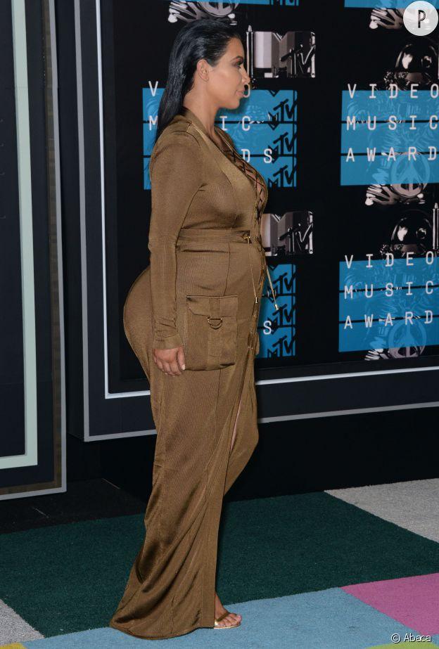 Kim Kardashian aux MTV VMA.