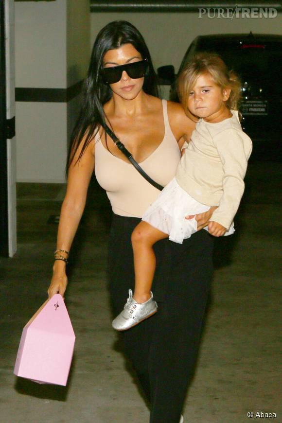 Kourtney Kardashian avec sa fille Penelope, âgée de deux ans.