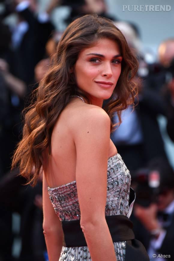 Elisa Sednaoui, un charme fou et un regard captivant.